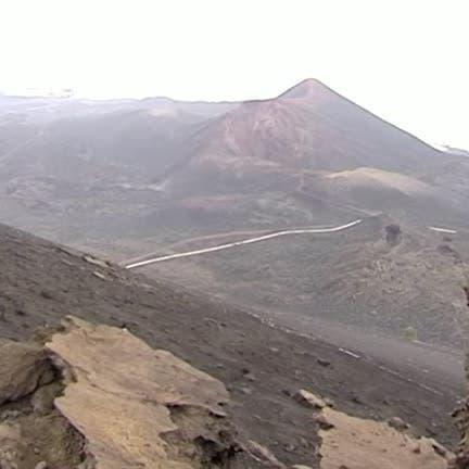 Alert raised over quake surge around volcano in Spain's Canary Islands