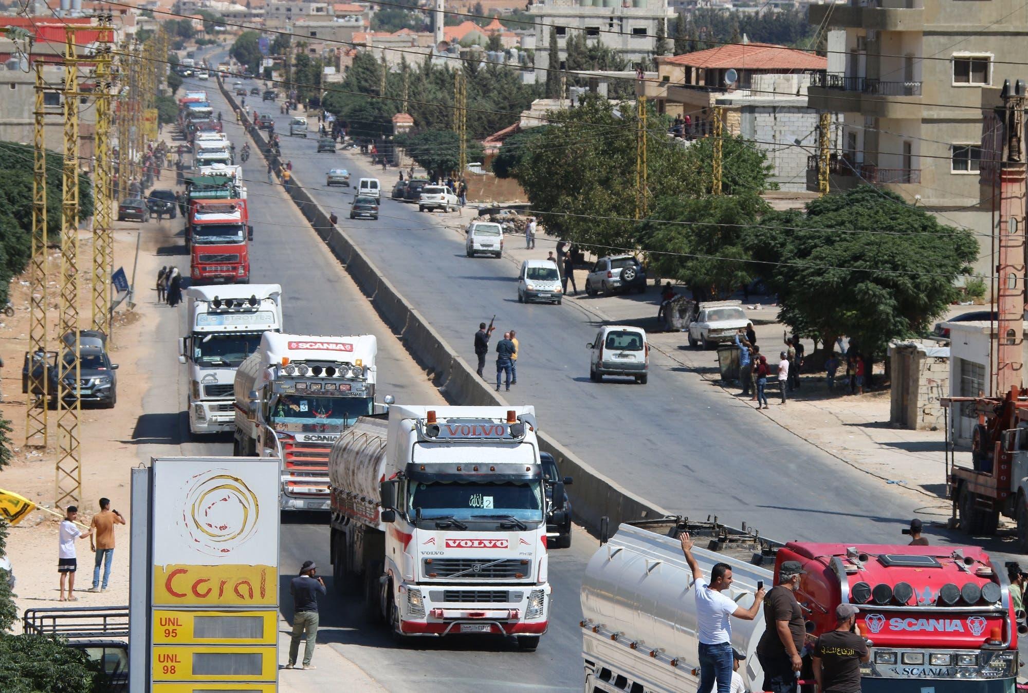 وصول ناقلات وقود إيراني من سوريا إلى العين بالهرمل شرق سهل البقاع اللبناني يوم 16 سبتمبر 2021 (فرانس برس)