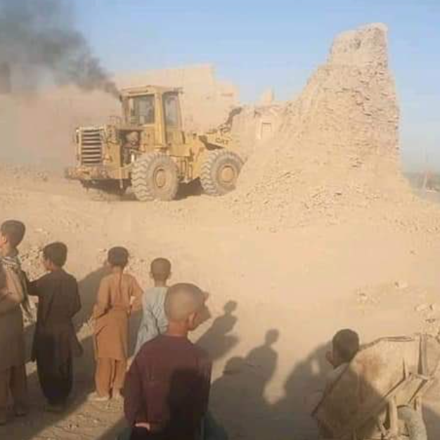 طالبان تدمر حصناً تاريخياً قديماً.. وسط قلق سكان هلمند