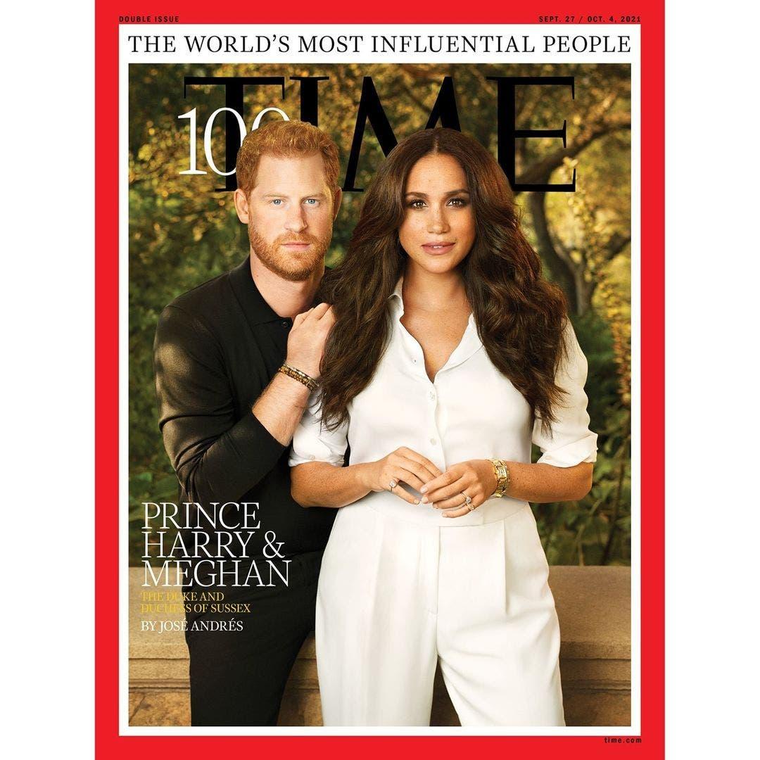 الثنائي ميغان وهاري على غلاف مجلة تايم وتبدو ساعة تانك الذهبيّة تزين معصم ميغان