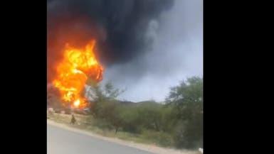 عمداً.. الحوثيون يفجرون 20 ناقلة وقود في البيضاء