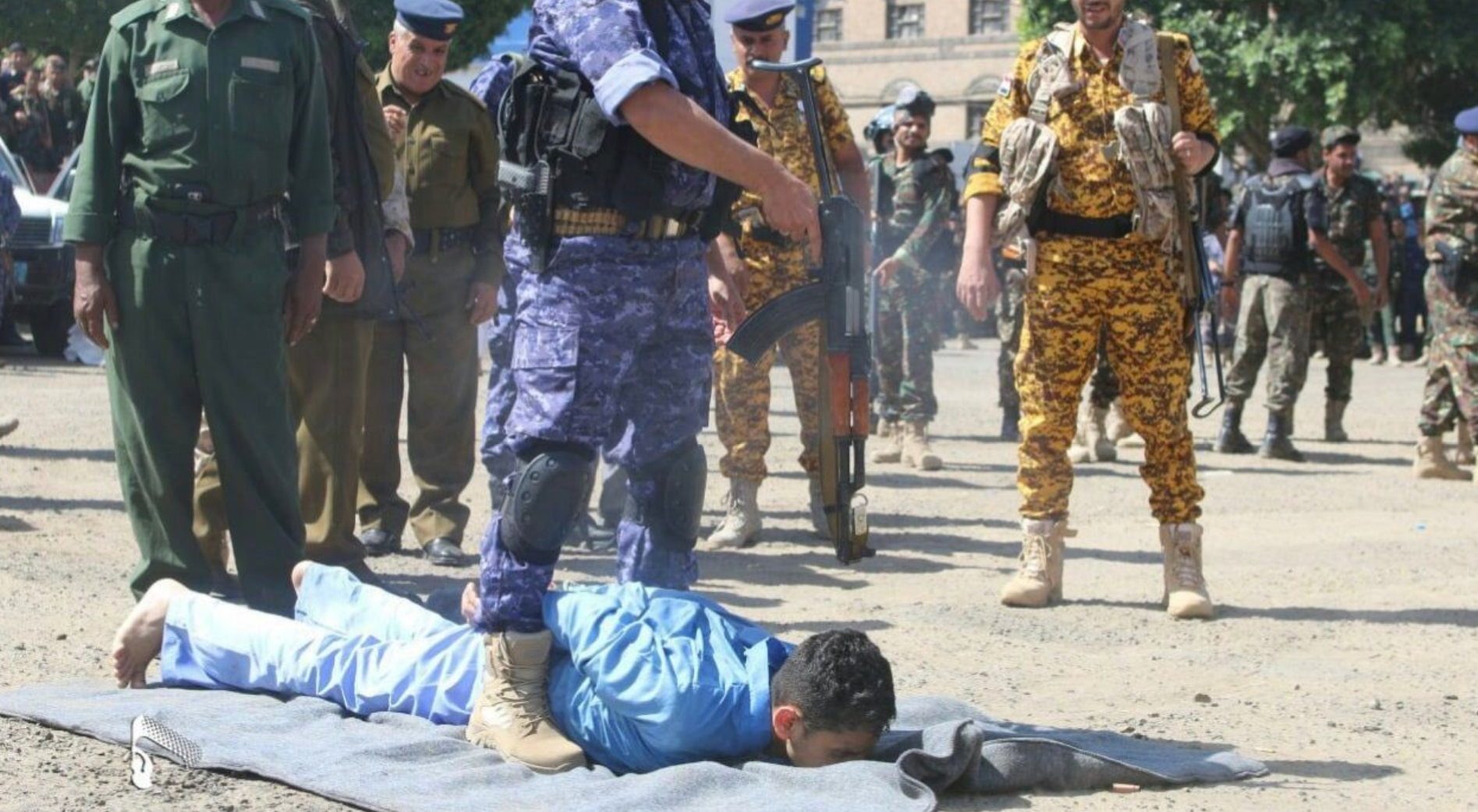 الحوثيون يعدمون 9 مدنيين بينهم طفل - إعدامات الحوثي في صنعاء