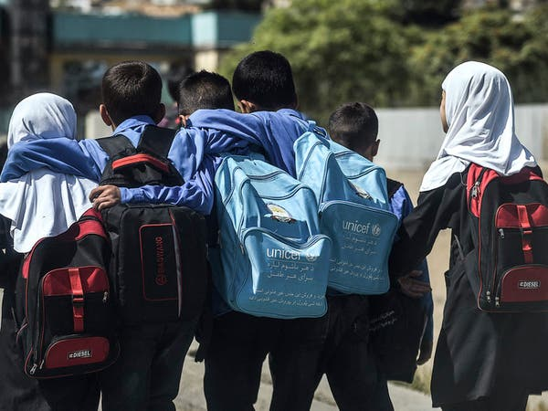 مدارس للذكور فقط.. اليونيسكو تحذر من قرار طالبان