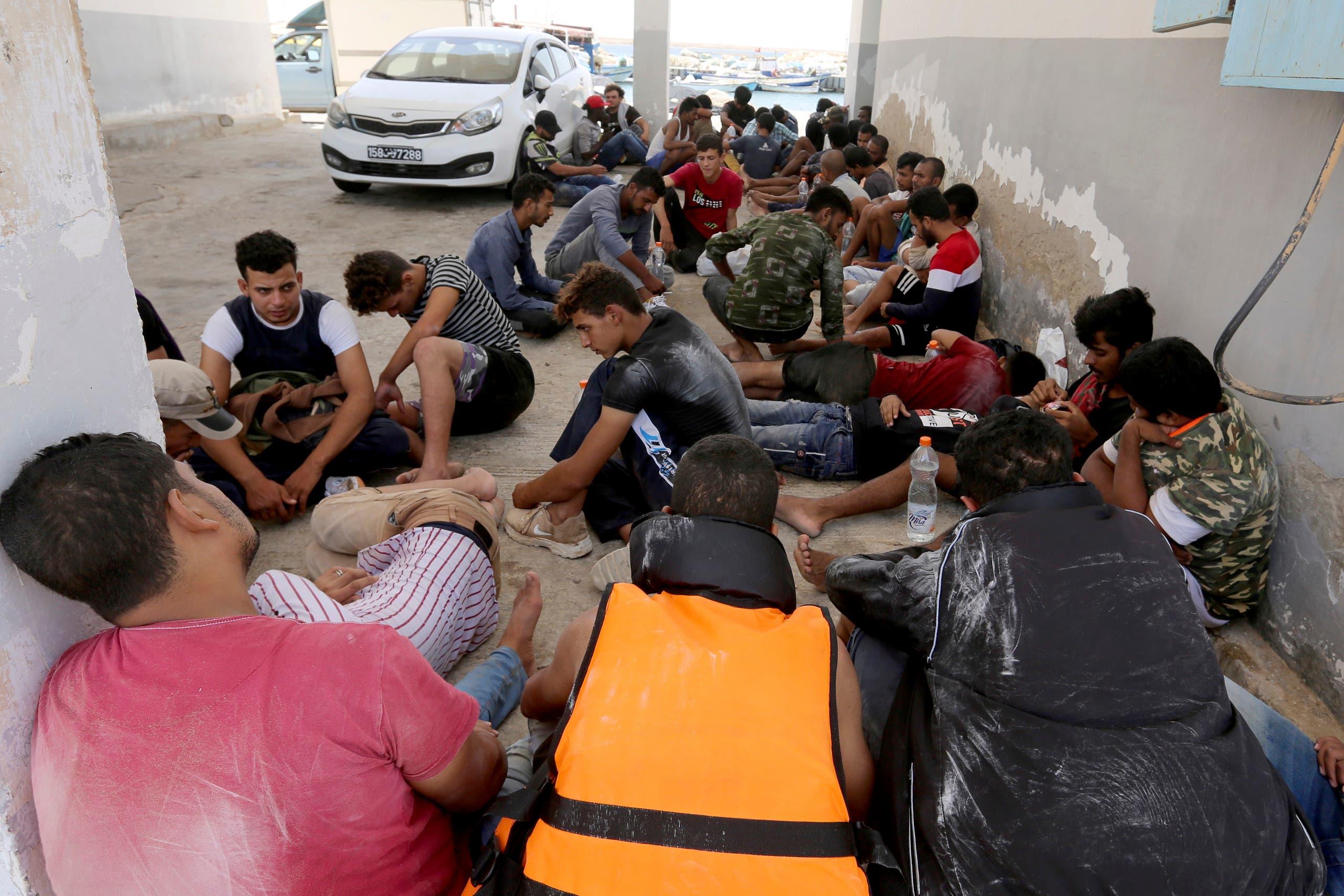 مهاجرون معتقلون في ليبيا (أرشيفية- أسوشييتد برس)