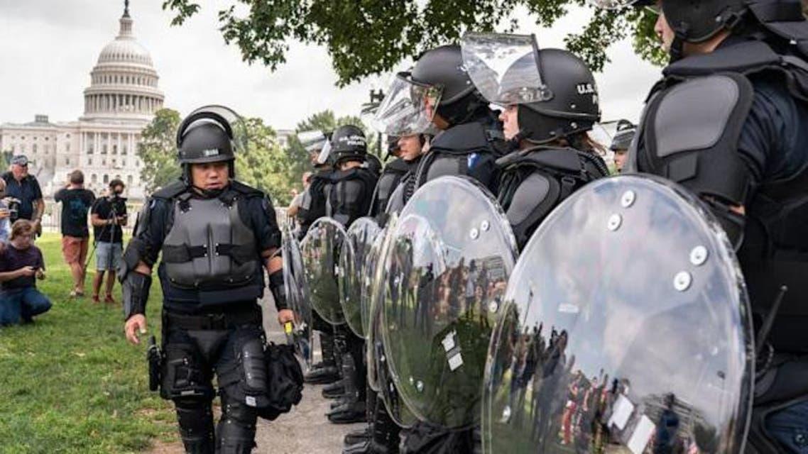 حضور نیروهای امنیتی مقابل کنگره آمریکا