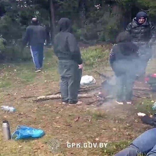 صورة لعراقية رموها جثة عند حدود بولندا وفيديو لزوجها