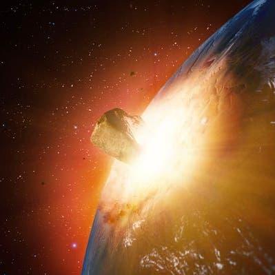 بسرعة 80 ألف كم/س.. كويكب ضخم يصطدم بمدار الأرض اليوم