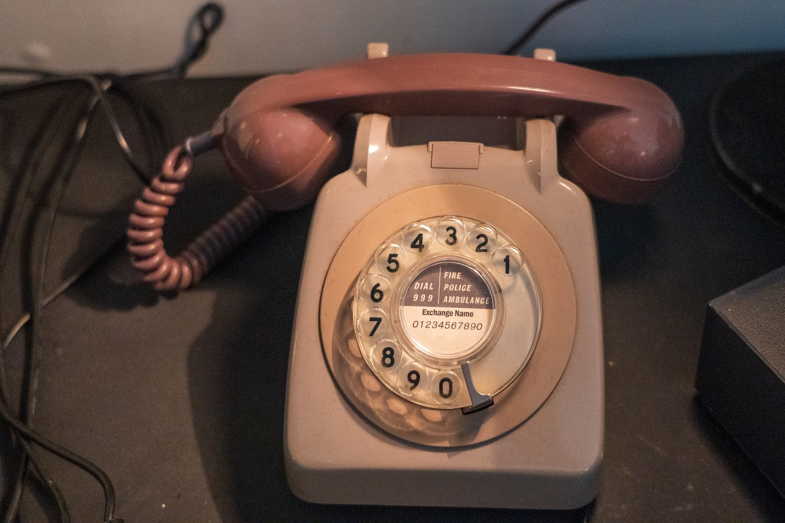 At Expo 1876, Scottish inventor Alexander Graham Bell demonstrated his communication system which had two ends: a transmitter and a receiver.. (Unsplash)