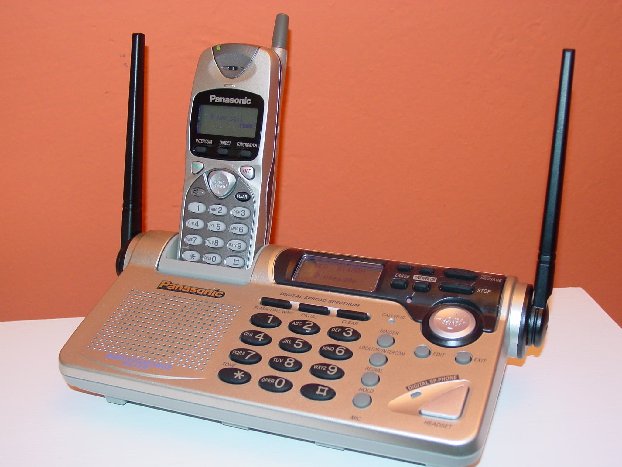 A Panasonic Cordless Answering System KX-TG268ON with handset is shown in Scarsdale, N.Y., Wednesday, Nov. 28, 2001. (File photo: AP)