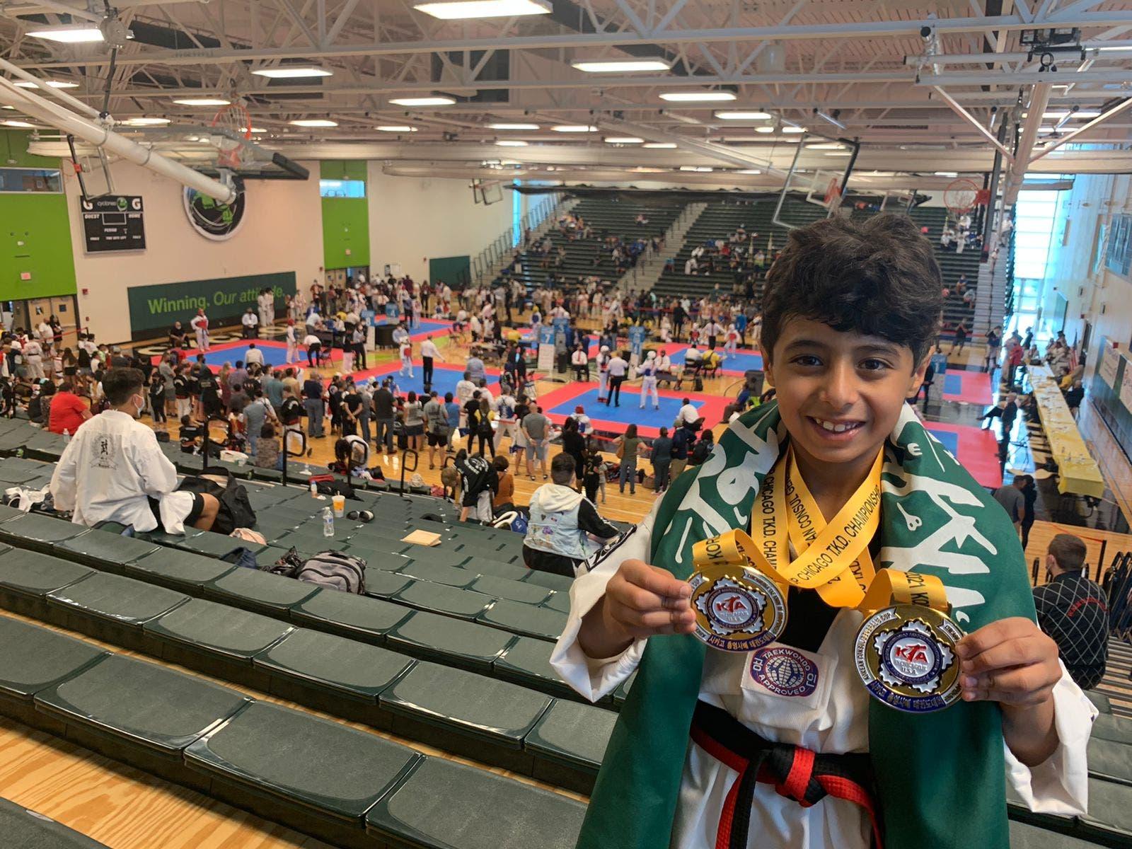 أحمد حين حصوله على البطولة