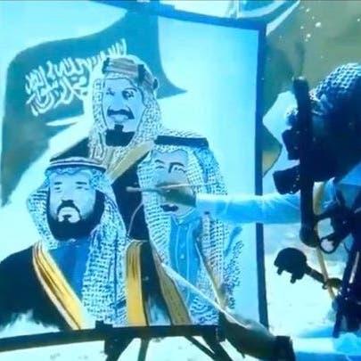 40 دقيقة تحت الماء.. فنان سعودي يحتفل باليوم الوطني