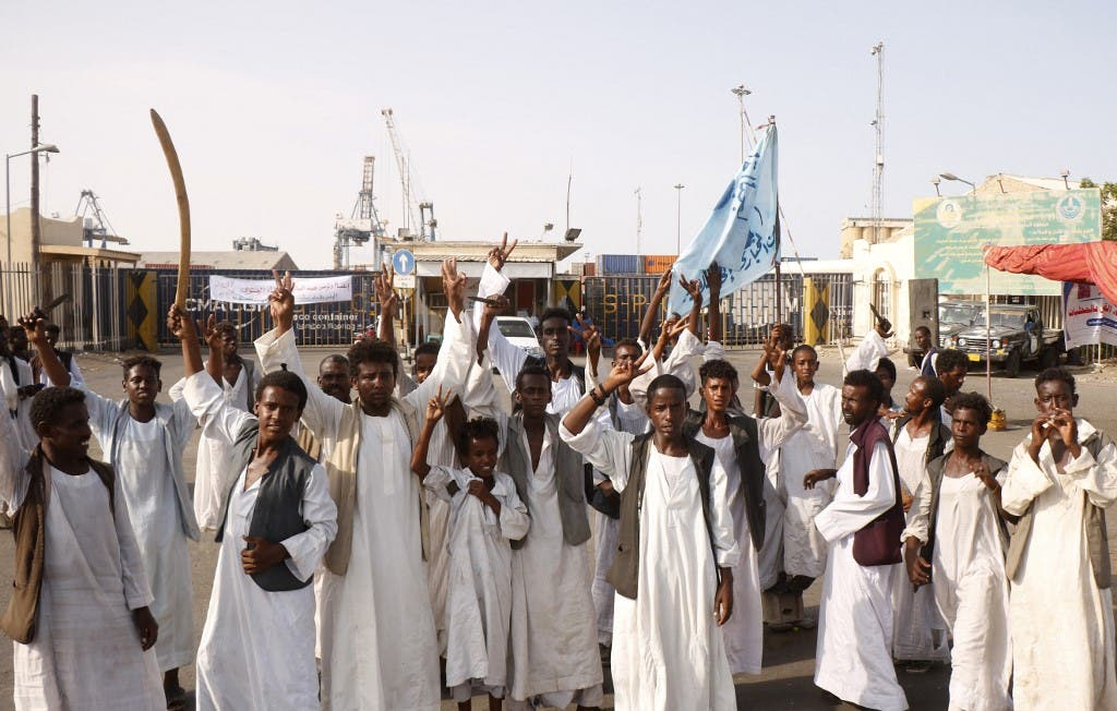 The anger of Kassala and Port Sudan continues. Khartoum sends its ministers to the east