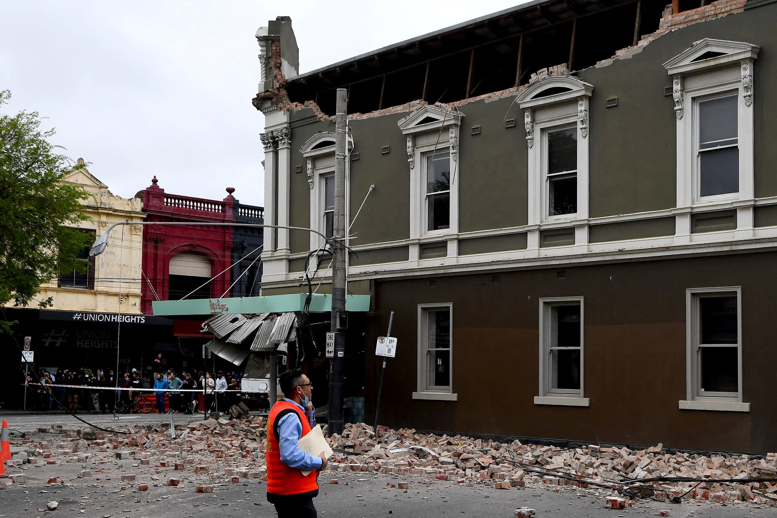A general view shows a damaged building in the popular shopping Chapel Street in Melbourne on September 22, 2021, after a 5.9 magnitude earthquake. (AFP)