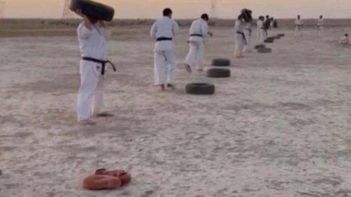 تمرین رزمیکاران لیگ برتری خوزستانی در شنزارهای ماهشهر