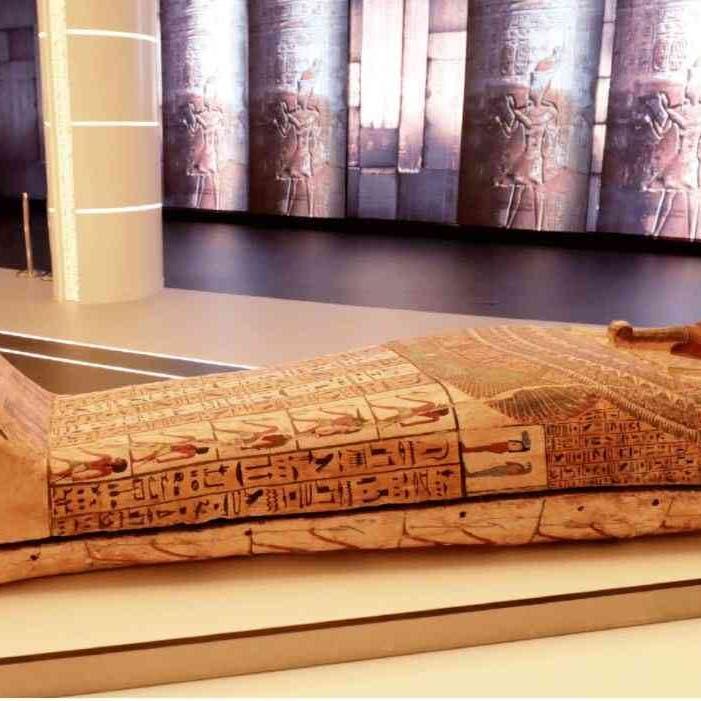 تابوت فرعوني يظهر بدبي.. ما السر وكيف علّقت مصر؟