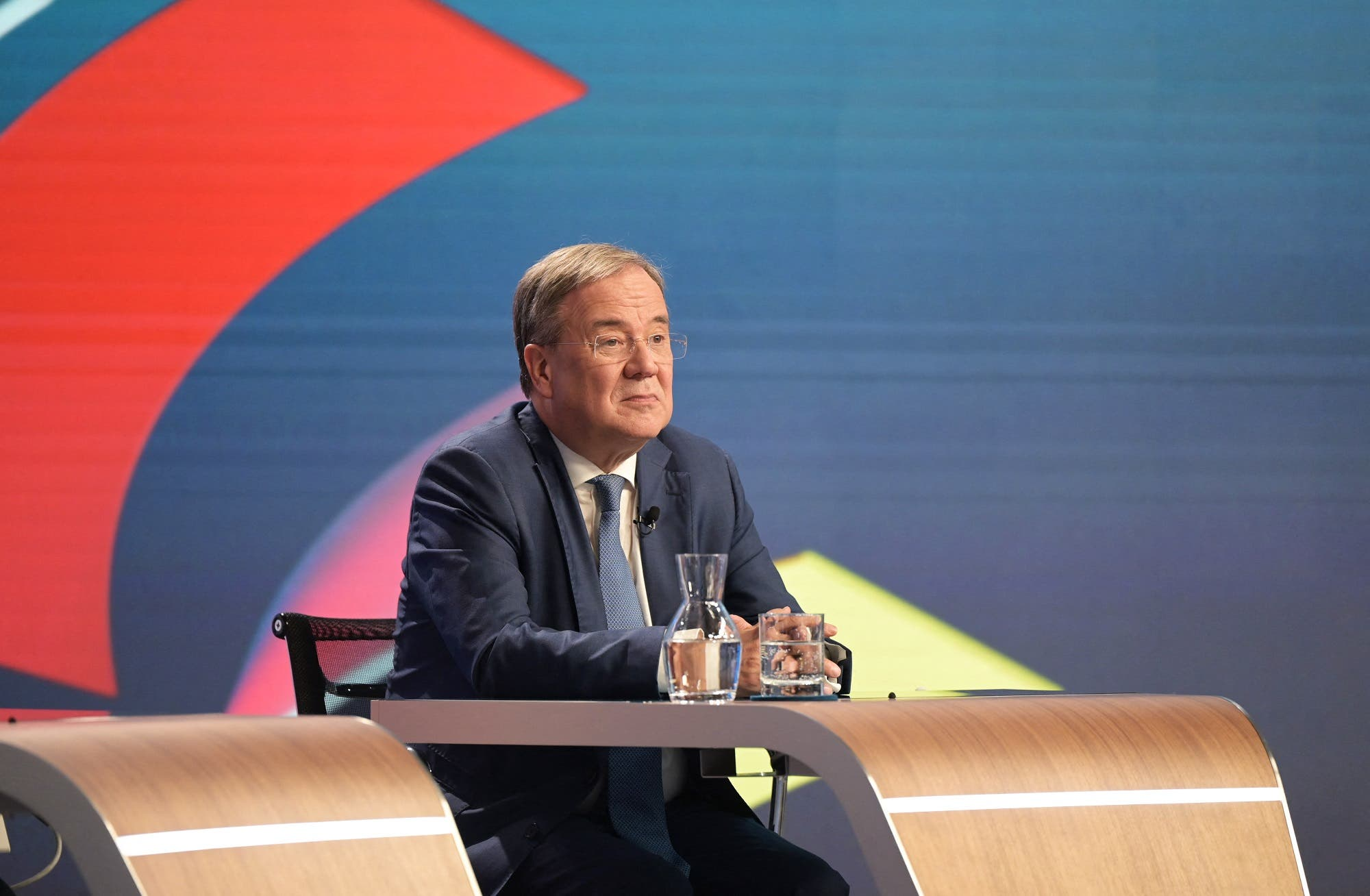 German elections .. Socialists lead by a slight margin