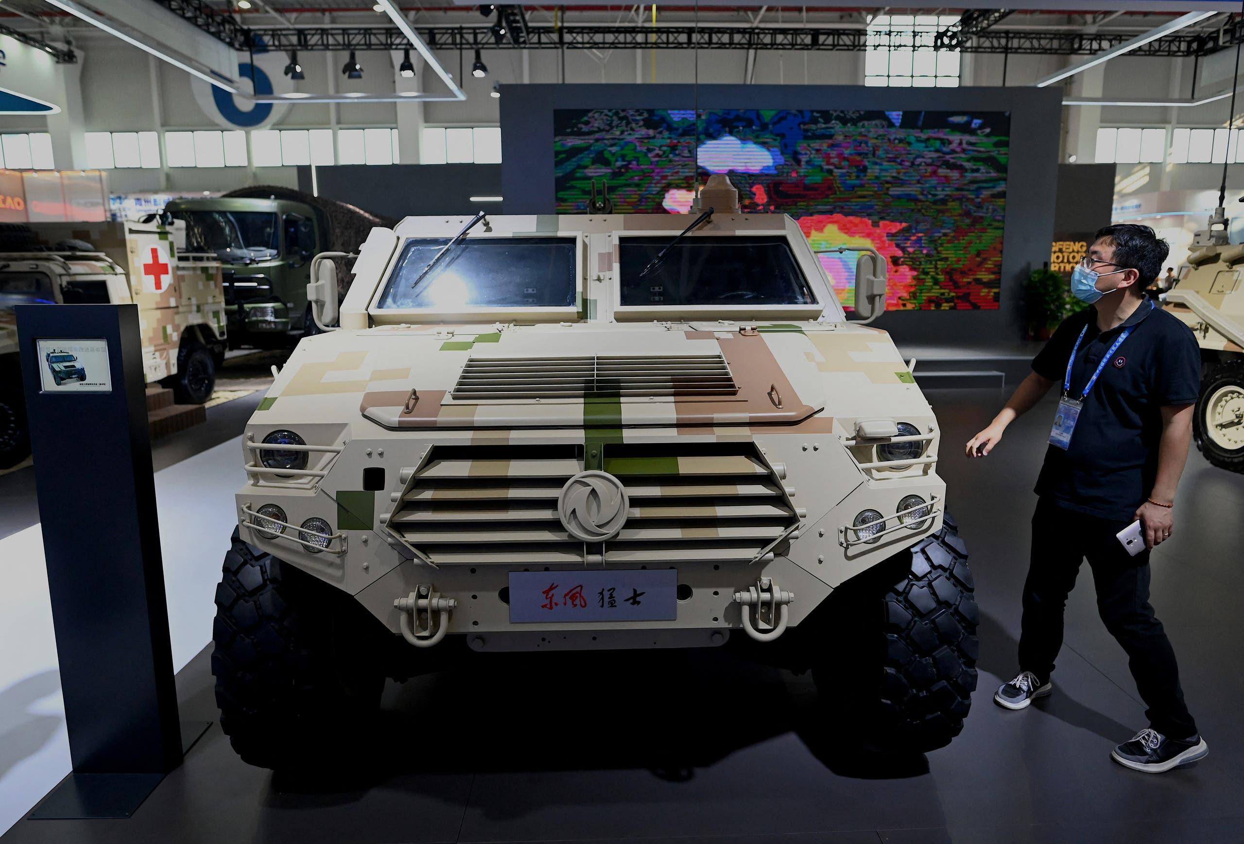 معجات عسكرية في معرض تشوهاي الجوي