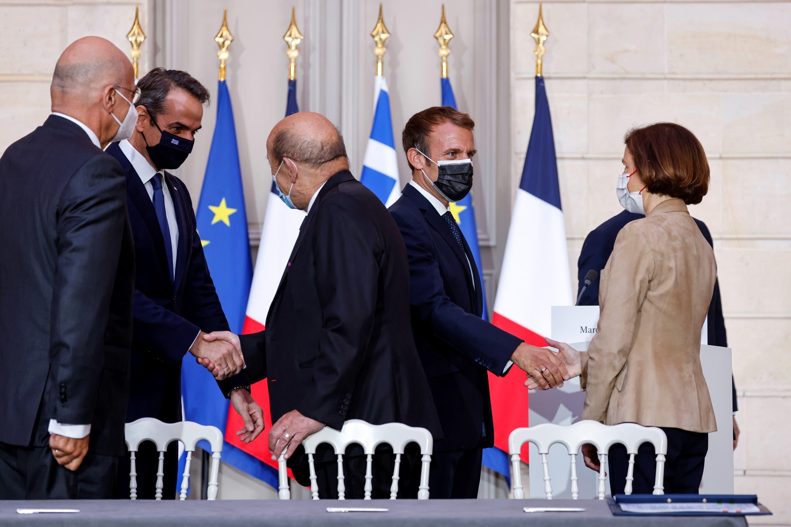 من مراسم توقيع الاتفاق بين اليونان وفرنسا اليوم