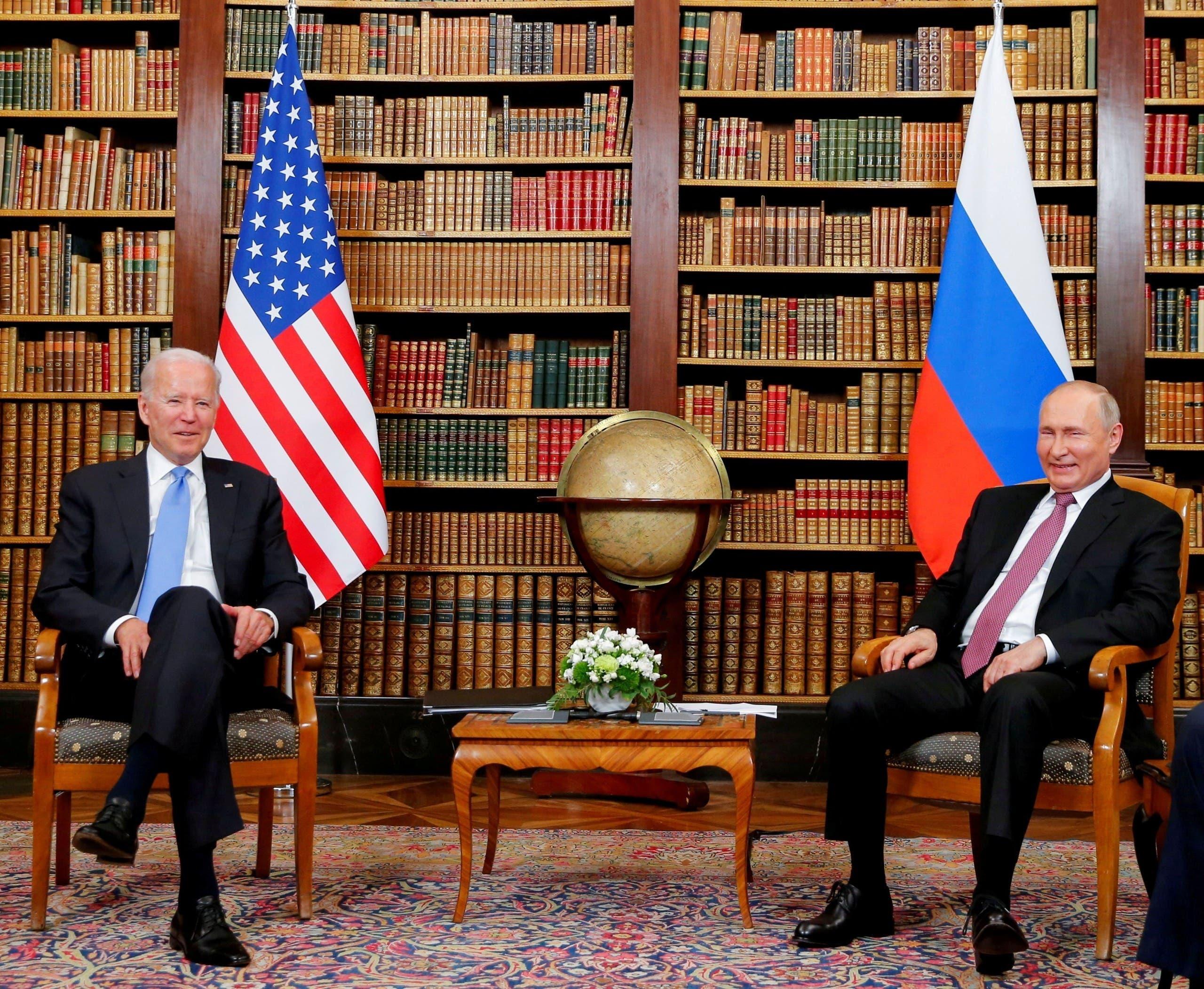 فلاديمير بوتين وجو بايدن في جنيف يوم 16 يونيو 2021 (رويترز)
