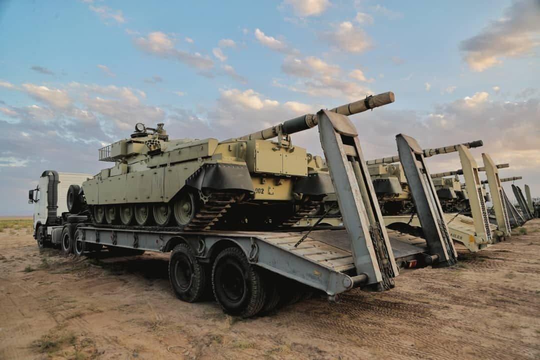إيران تجري مناورات عسكرية على حدود أذربيجان