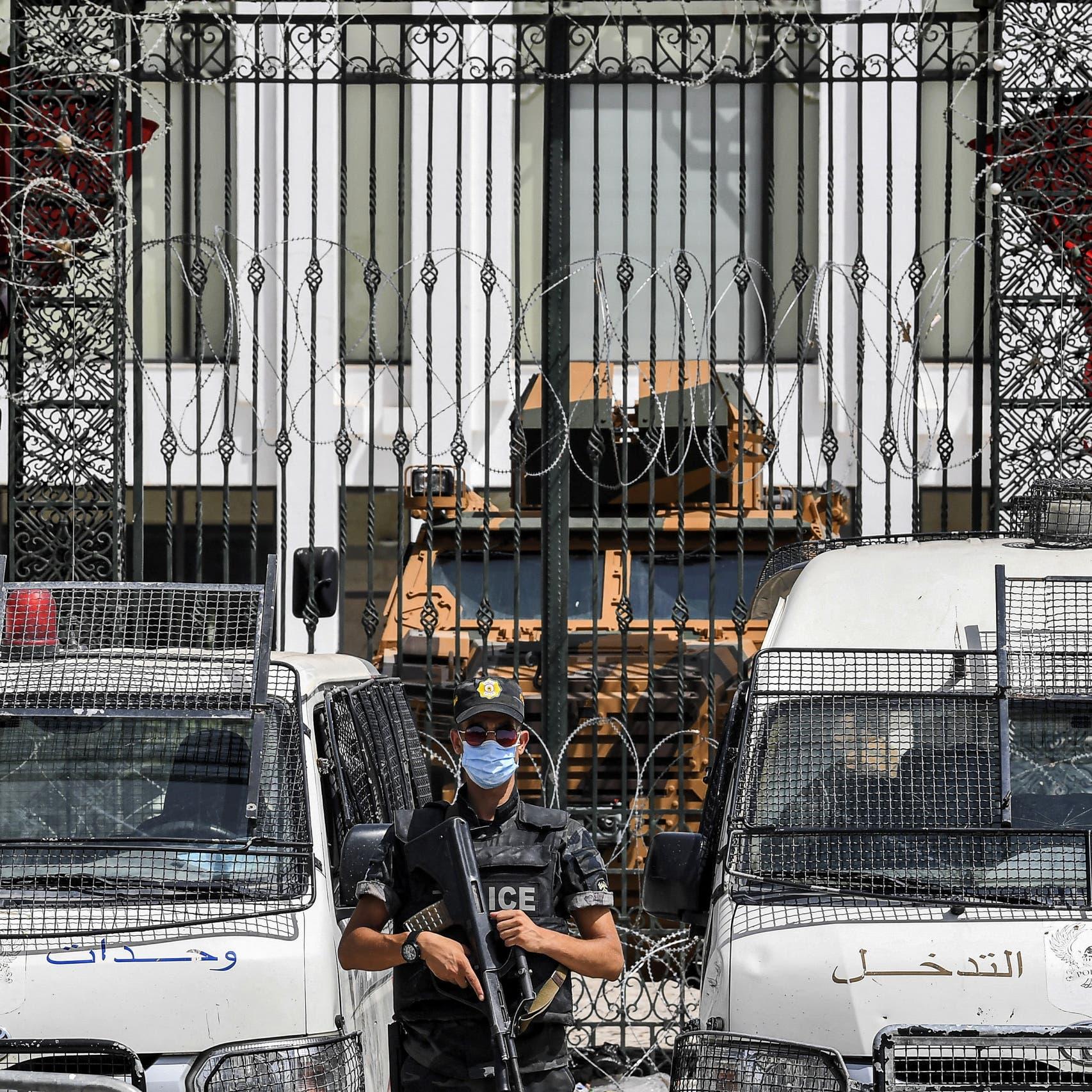 تأهب في محيط برلمان تونس.. تحذيرات من تحرك نواب النهضة