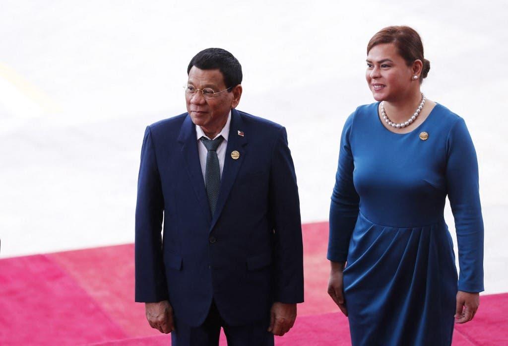 الرئيس الفلبيني رودريغو دوتيرتي وابنته ساره