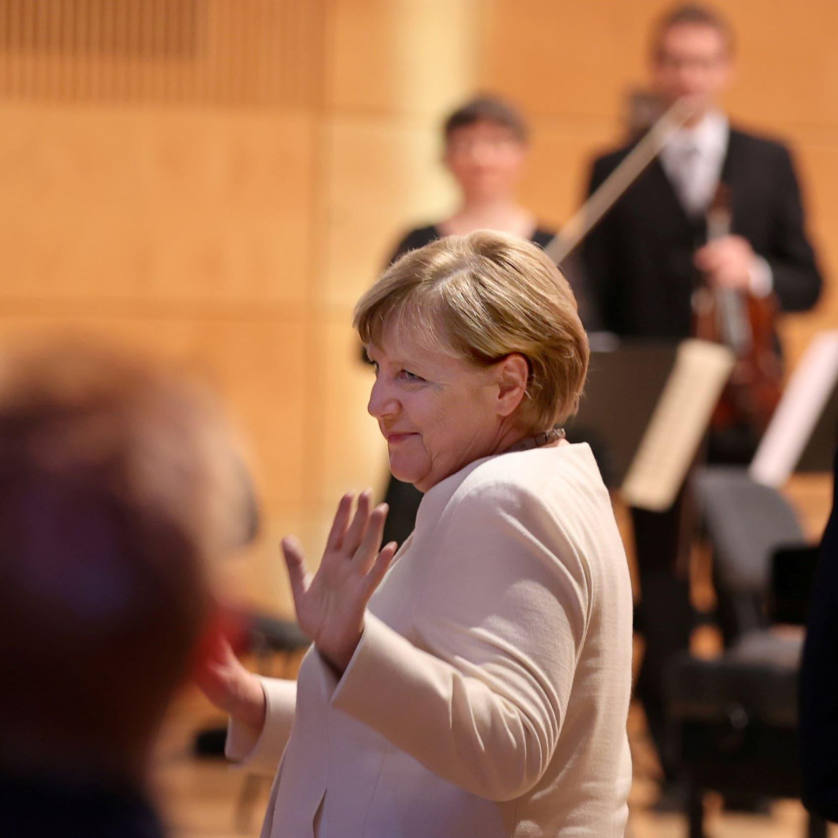 قبيل مغادرة منصبها.. ميركل توصي الألمان بالنضال لأجل الديمقراطية
