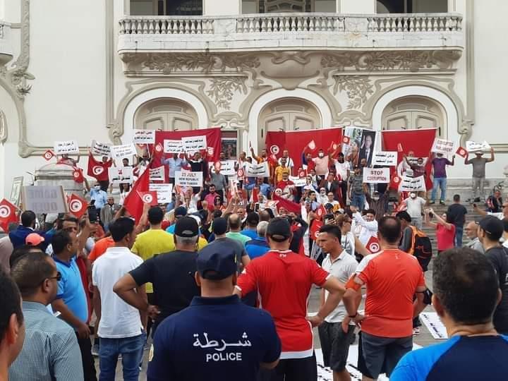 تونس 3 اكتوبر 2021 - من مظاهرات مؤيدة لقيس سعيد