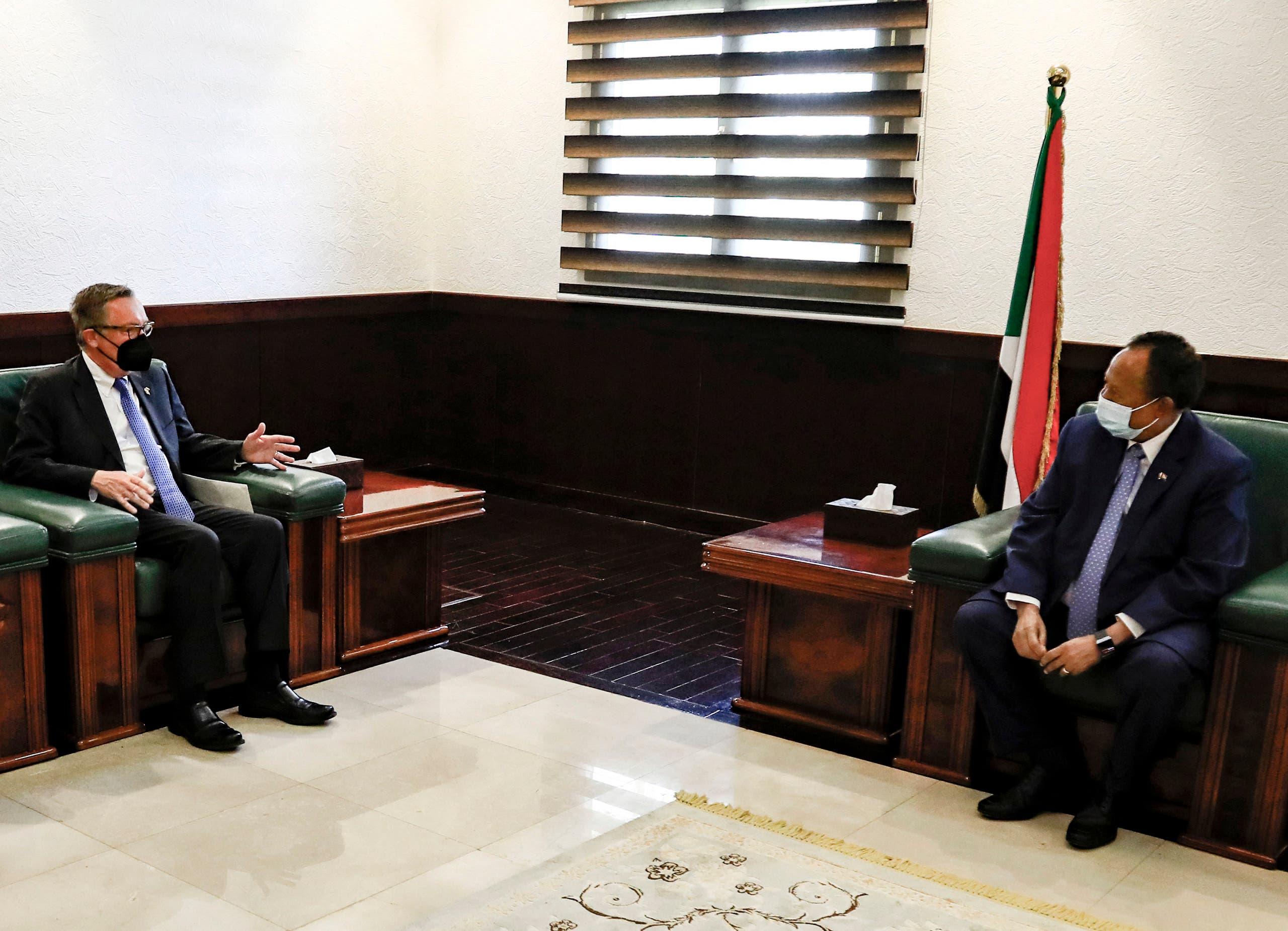لقاء حمدوك وفيلتمان يوم 29 سبتمبر في الخرطوم (فرانس برس)