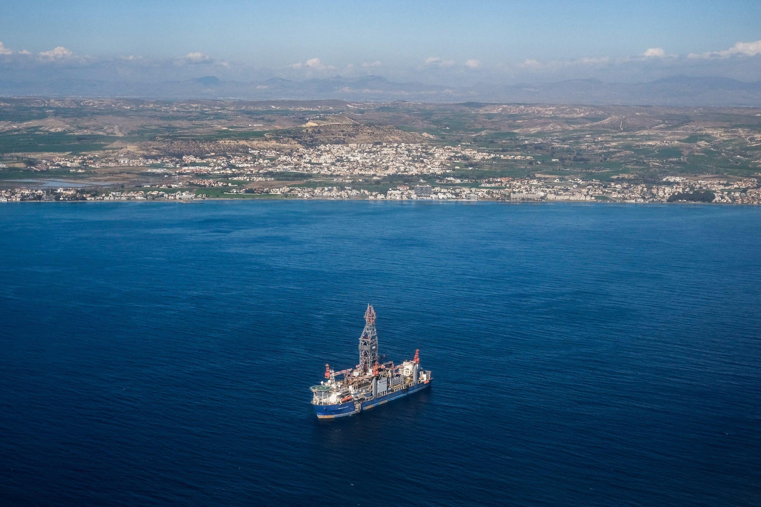 سفينة تنقيب تابعة لقبرص قبالة سواحلها