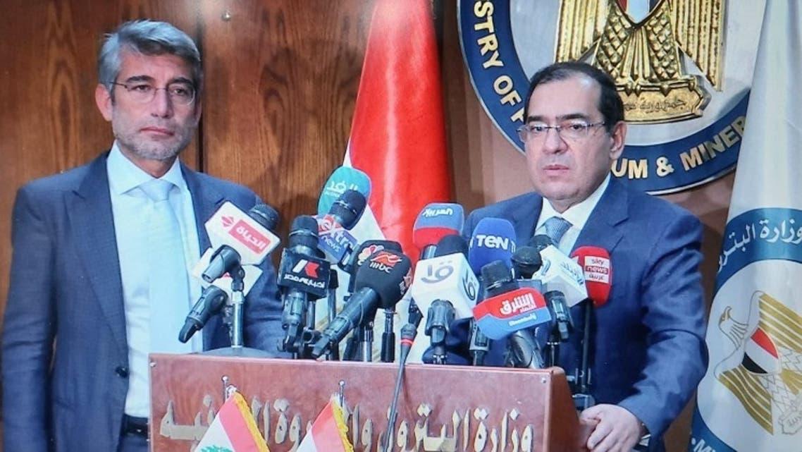 وزير البترول والثروة المعدنية ووزير الطاقة والمياه اللبنانى خلال المؤتمر الصحفى