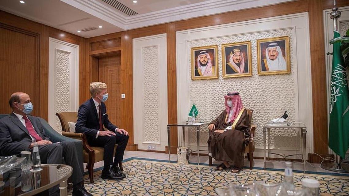 الأمير فيصل بن فرحان وهانس غروندبرغ