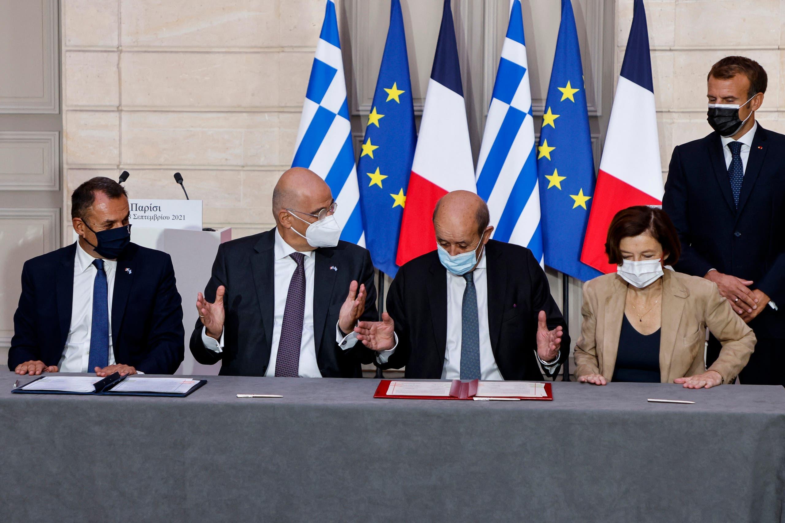 توقيع الاتفاقية الدفاعية بين باريس وأثينا في سبتمبر الماضي