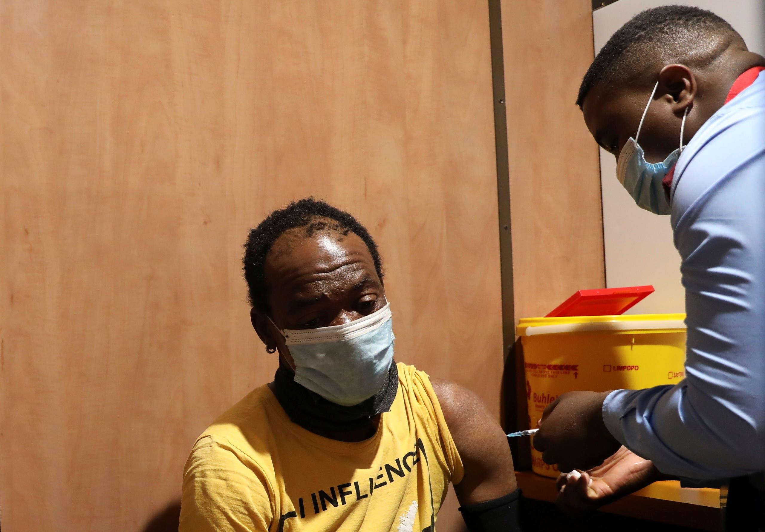 من حملة التطعيم ضد كورونا في إفريقيا الجنوبية