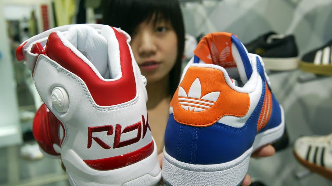 أحذية رياضية من صنع Pou Chen Corp الفيتنامية (رويترز)