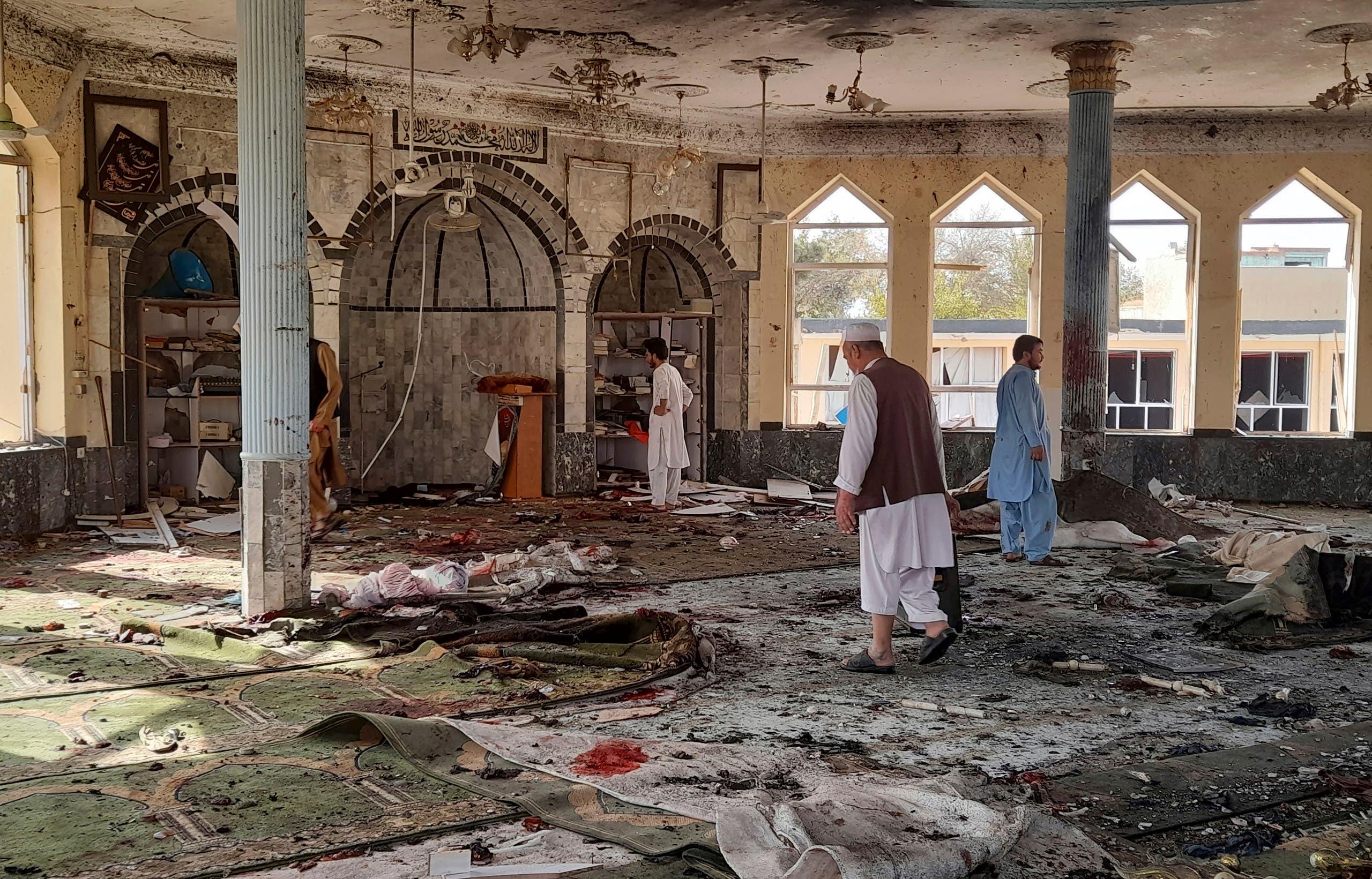 أضرار خلفها هجوم داعش أمس على مسجد في قندوز