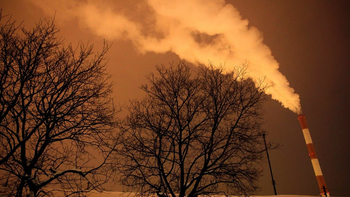 Steam and other emissions rise from a power station in Belgrade February 7, 2012. (File photo: Reuters)