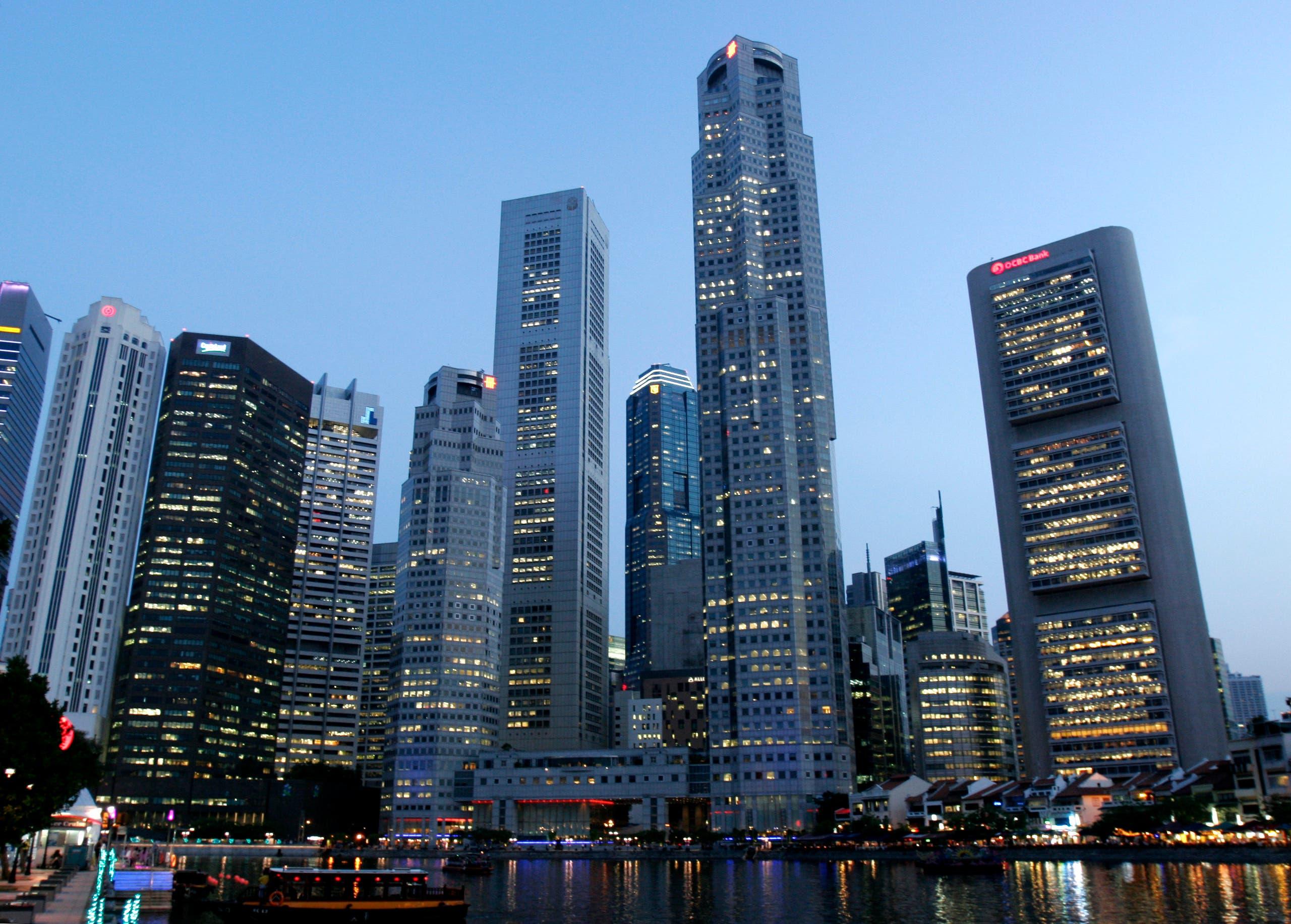 العملاق التجاري الجديد مقبل من آسيا .. الصورة لمجمع الأعمال في سنغافورة