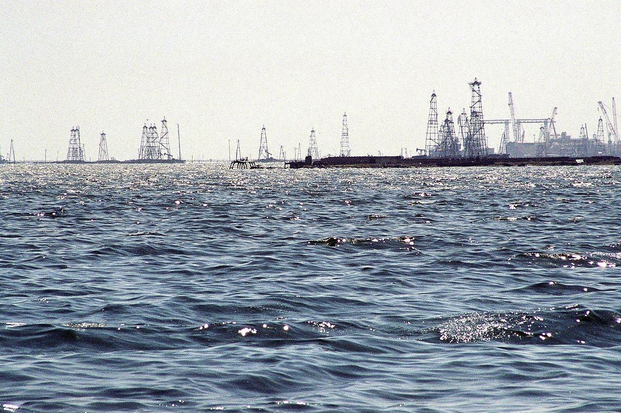 حقول أذربيجانية في بحر قزوين