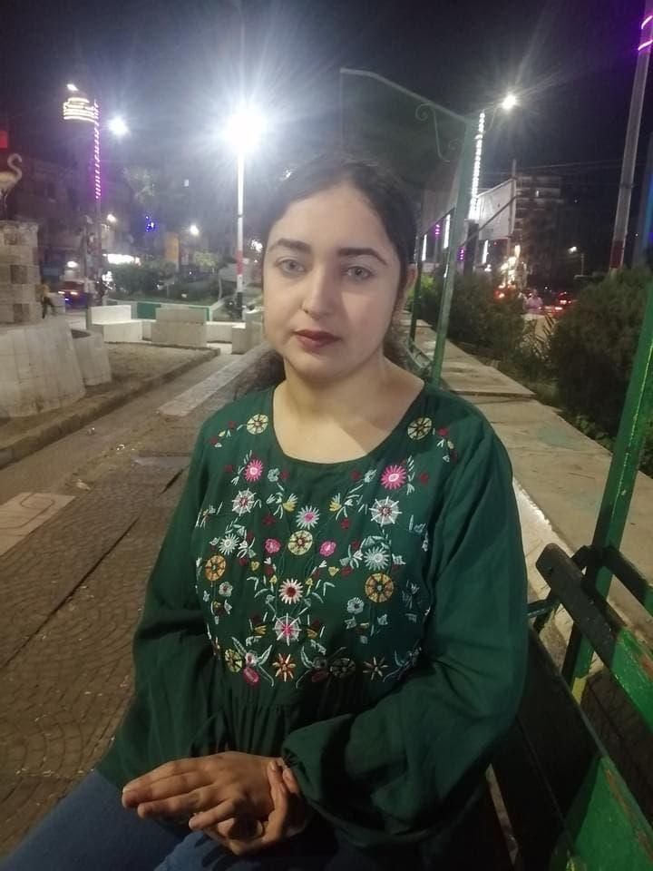 الفتاة التي تعرضت للتنمر والضرب