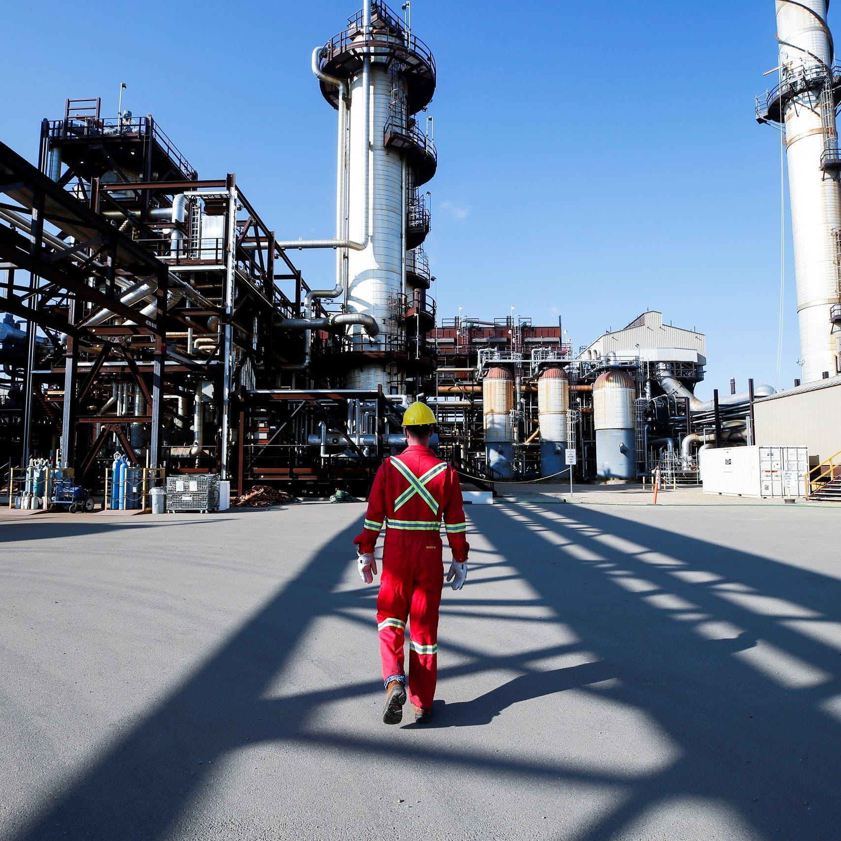 مكاسب النفط تتواصل مع زيادة الطلب.. والخام الأميركي فوق 80 دولاراً