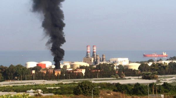 لا تنقصه سوى حرائق النفط.. نار تطال خزانا ضخما في لبنان