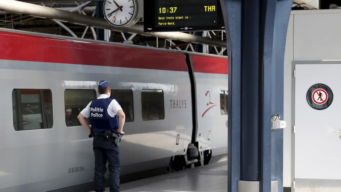 A Belgian police officer stands guard on a platform at the Thalys high-speed train terminal at Brussels Midi/Zuid railway station, August 22, 2015. (File photo: Reuters)