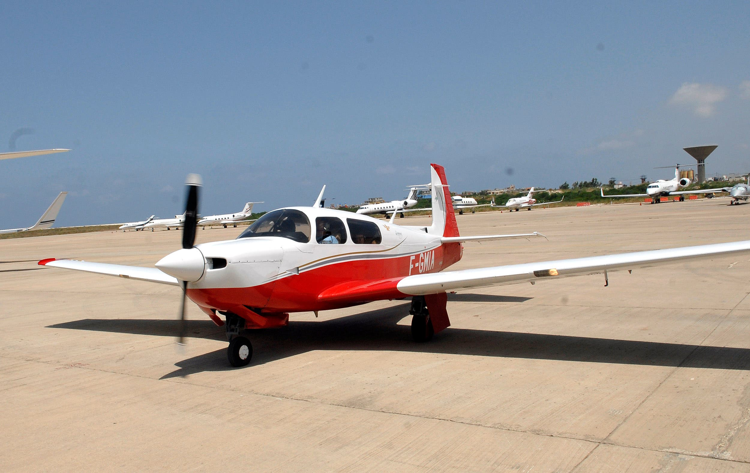 طائرة تابعة لنادي الطيران اللبناني (أرشيفية)