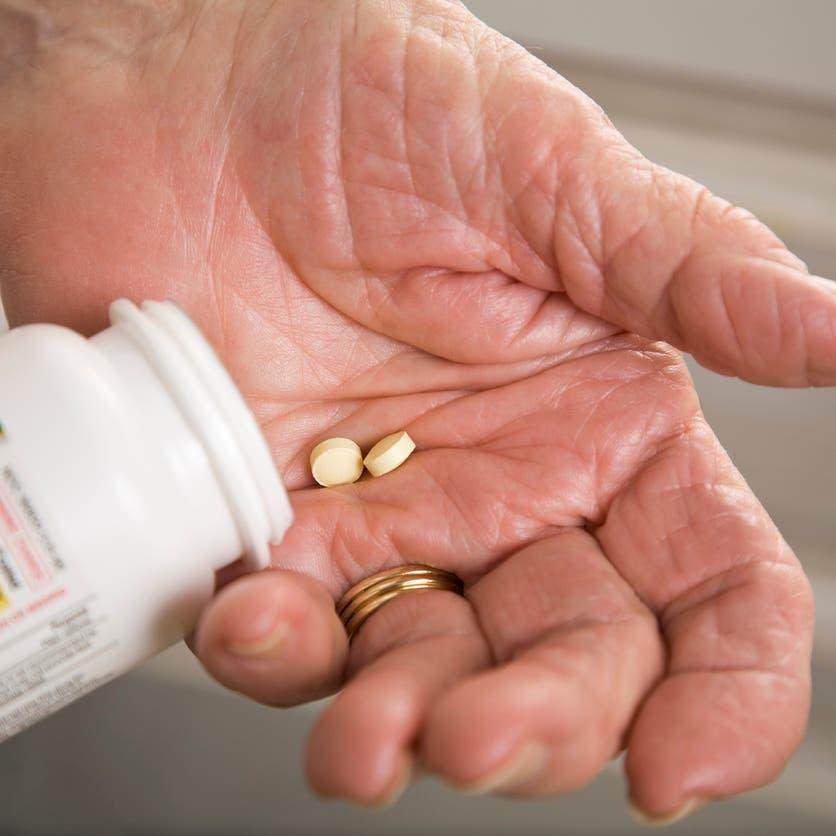 تحذير لكبار السن من جرعة الأسبرين اليومية.. تسبب النزيف!