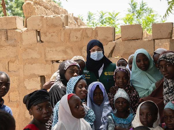 نوف البلوي مع أطفال نيجيريا