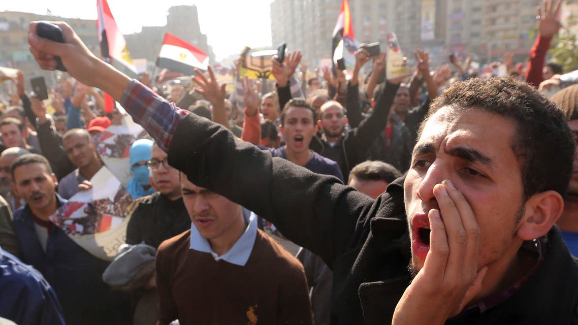 Supporters of the Muslim Brotherhood and ousted Egyptian President Mohamed Mursi shout slogans against the military and the interior ministry during a protest in Cairo November 28, 2014. (File photo: Reuters)