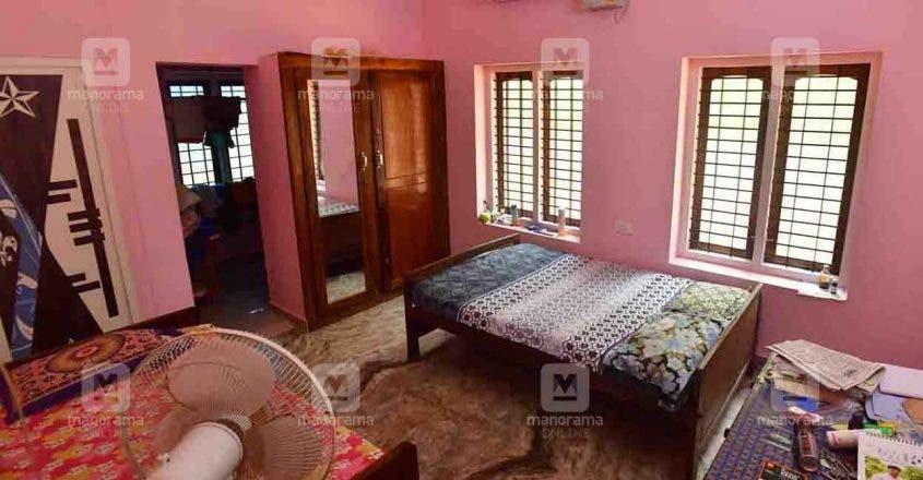 الغرفة التي كانت تنام بها أوثرا عندما ألقى زوجها الأفعى عليها