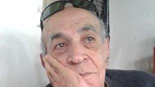 يعيش مشرداً ومريضاً.. نجل مطرب مصري شهير يطلب إعادته لبلاده