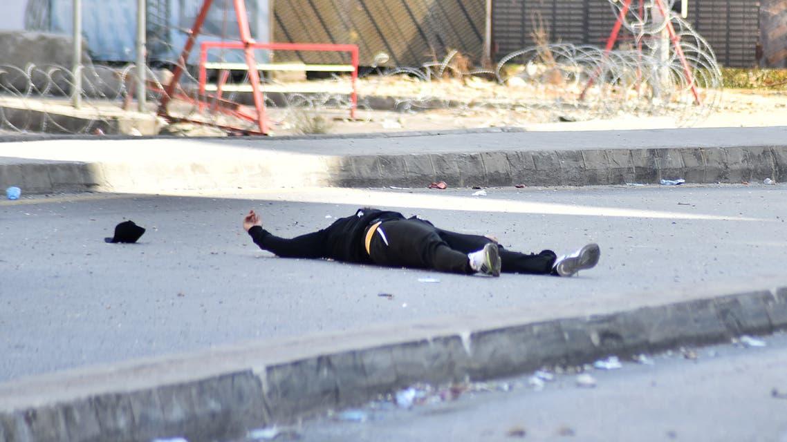 أحد القتلى في الطيونة (فرانس برس)